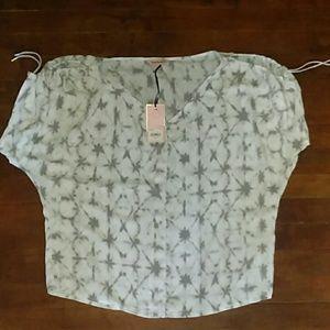 Ladies XS blouse